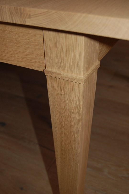 Table carrée en bois